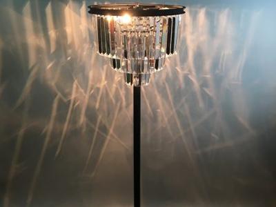 シャンデリアをオリジナルデザインで製作するなら照明を専門に扱う【Lazos】